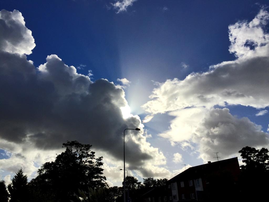 sky behind lamp